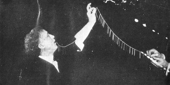 Harry Houdini - Magic - The Needle Trick